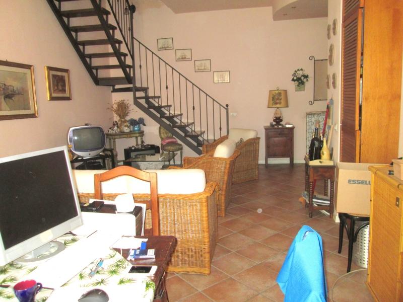 Piacenza Centro Appartamento Ristrutturato con Terrazzo