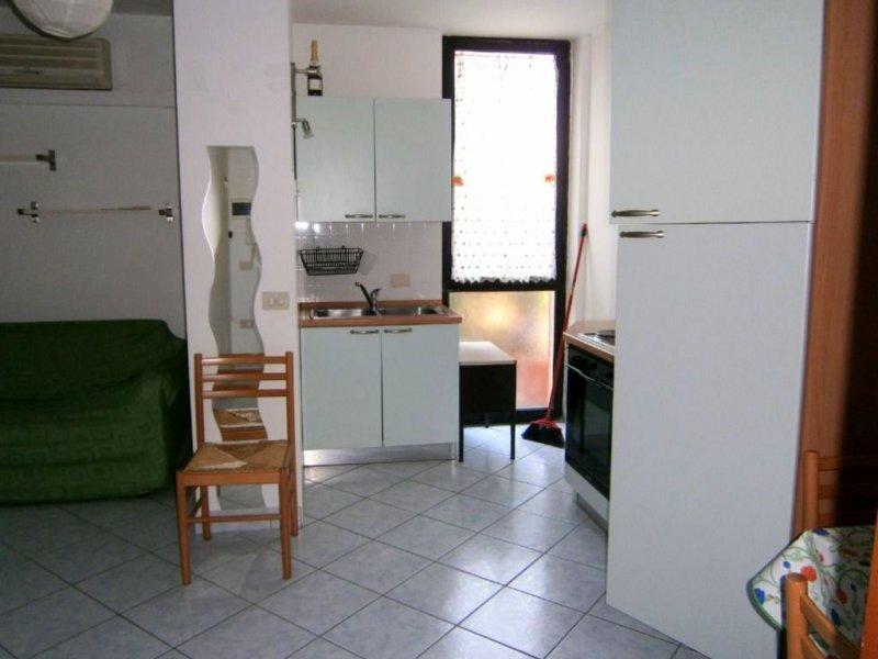 Parma Bilocale Arredato