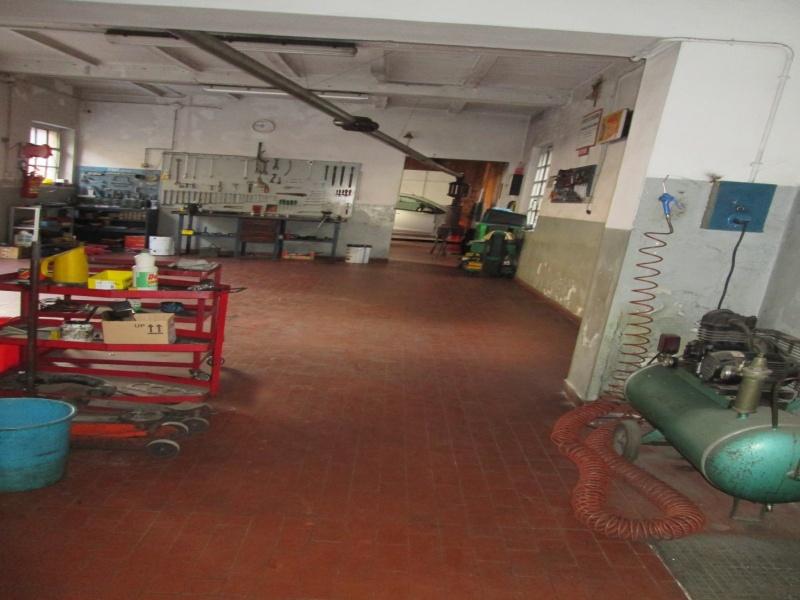 Piacenza Ampio Immobile con Officina Meccanica