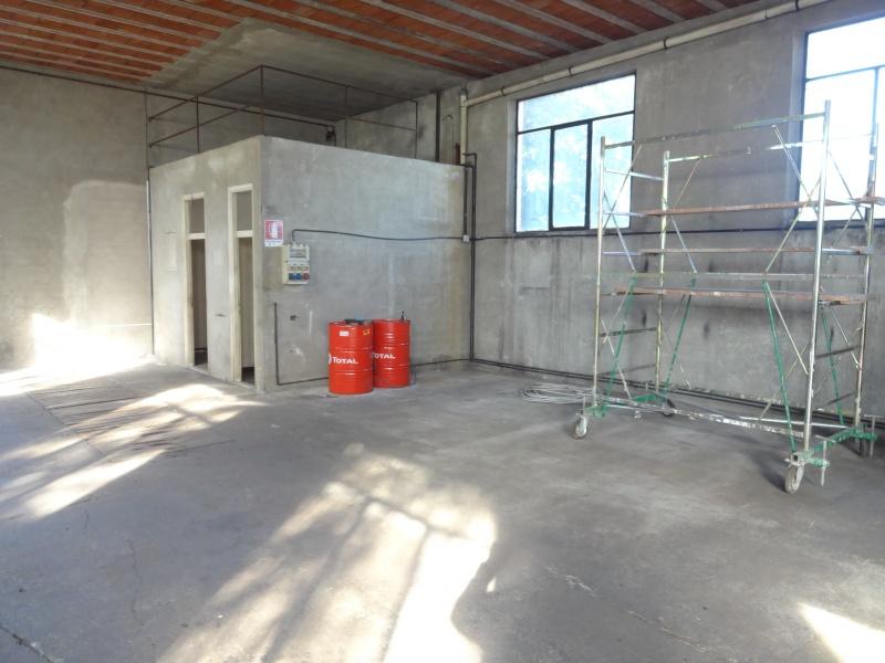 Magazzino di circa 270 mq con bagno e ufficio