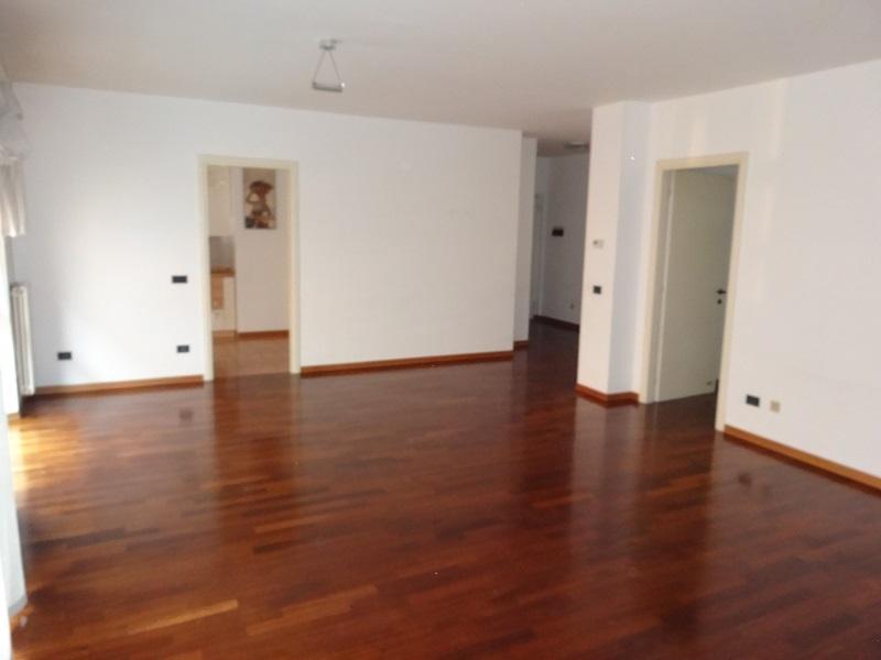 Parma Centro Appartamento di Pregio