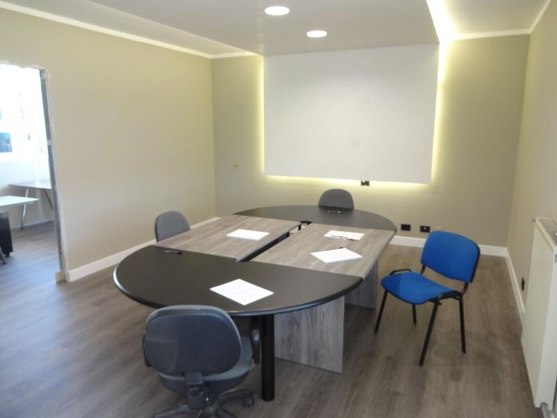 Ufficio Ristrutturato Pontetaro di Noceto Ingresso Indipendente