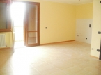 Mezzani Appartamento con Portico e Giardino